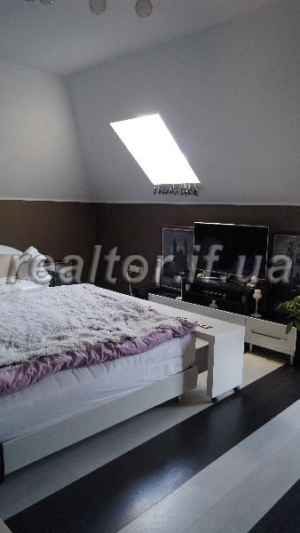 Rental mansion with beautiful renovated, near airport