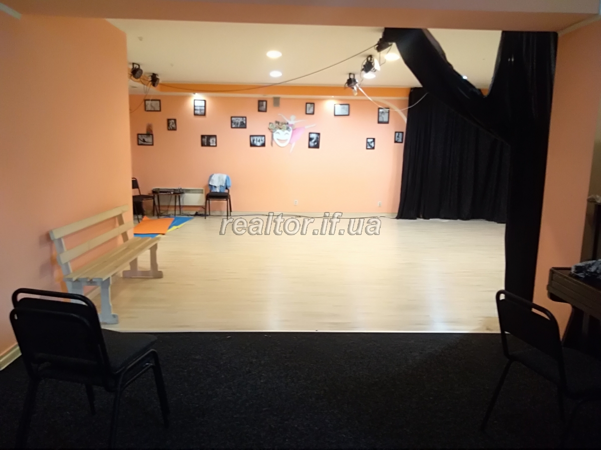 Courses, dance schools in Ivano-Frankivsk region: a selection of sites