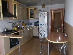 The apartment in habitable building with repair and furniture Street Pasichna