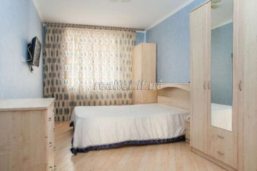 The apartment is a large square with good repair and furniture on the street Mykolaychuk
