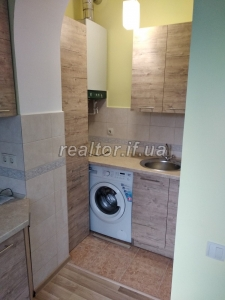 The apartment is renovated in the central part of the city along Kupchinsky Street