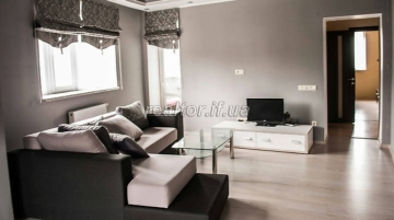 Apartment with modern European-style repair and furniture in the central part of the city