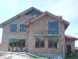 A newly built house + 25 hundred. land in the village St.Lysets (Gazovik)