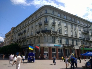 Rent of offices in the city center on Sometterov different areas without a commission
