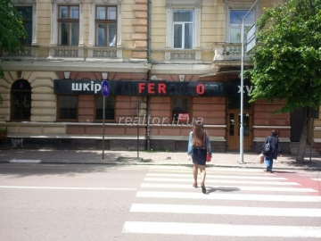 Rent a room on the street. Grushevsky opposite the National Bank
