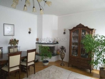 I sell an apartment on the street Tselevich with an active fireplace