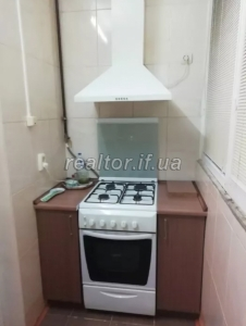 For sale 1 room apartment in a building and a newly built new building on the street Trolleybus
