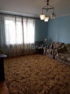 2 bedroom spacious apartment for sale in the Pasichna district on Khimikov street