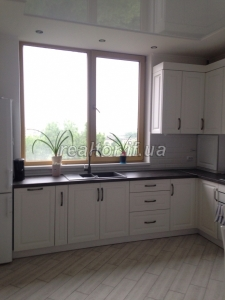 For sale two-bedroom apartment renovated in the LCD River Park on the street Halytska