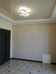 For sale apartment of a large area with a bright European-style repair on the street Dovzhenko