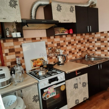 One-room renovated apartment for sale near the Aries restaurant on Halytska Street