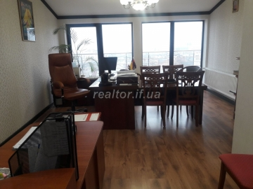 For sale office in the city center with panoramic views of the city
