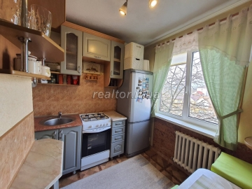 Redeveloped 1 bedroom apartment for sale on Gvardiyska Street near Rukh Stadium