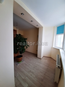 Spacious one-room apartment for sale with renovation on Khimikiv Street