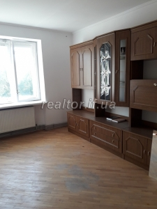 For sale two-bedroom apartment renovated on the street Pasichna
