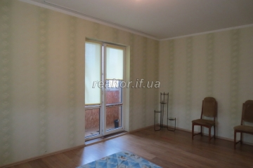 Apartment for sale in good residential condition on Nikolaychuk Street
